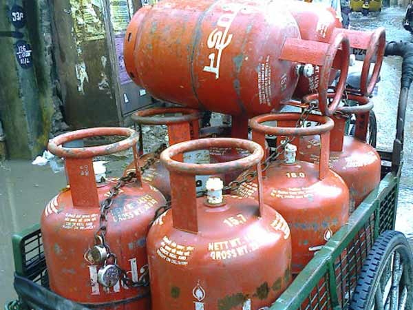 LPG Prices Have Fallen By Nearly Rs. 100 In Five Months, Says Government