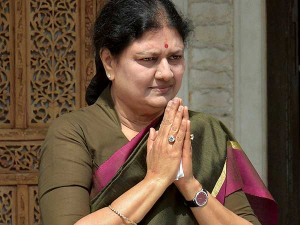 Sasikala issues legal notice to brother asking not to use her name, photo