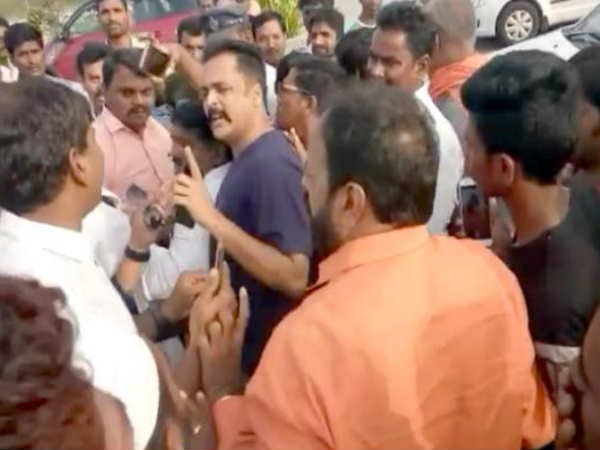 sivaji detained by bjp high tension at gannavaram airport