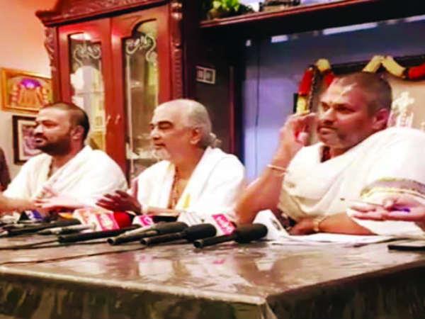 chief-priest-tirumala-temple-venkata-ramana-deeksh