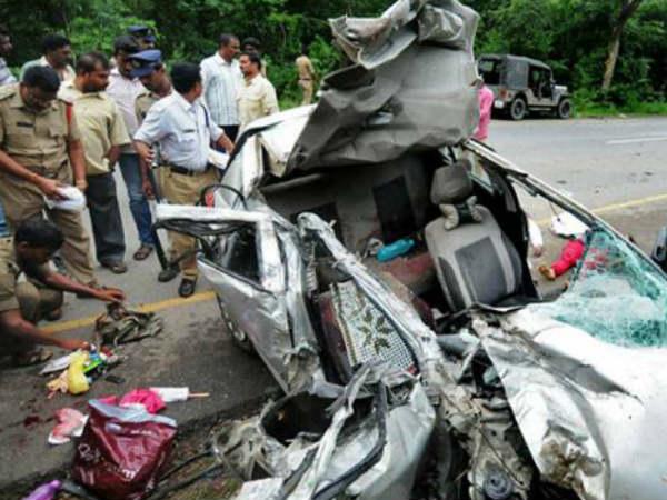 5 Killed Road Accident Telangana S Ranga Reddy