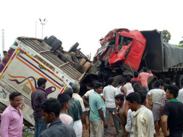bus accident in vizianagaram: 6 killed
