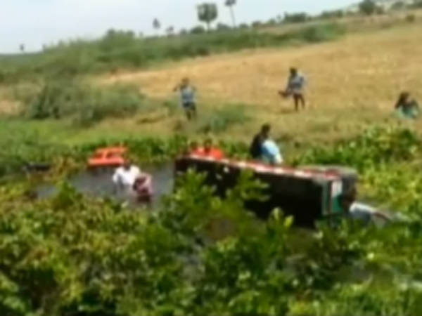 Tractor falls in canal in Nalgonda, 15 people died