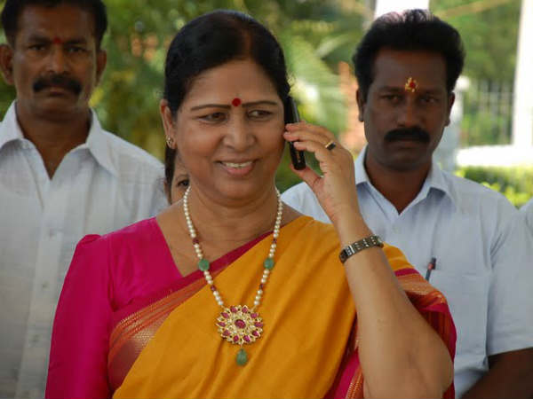 I will not join YSRCP, says galla aruna kumari