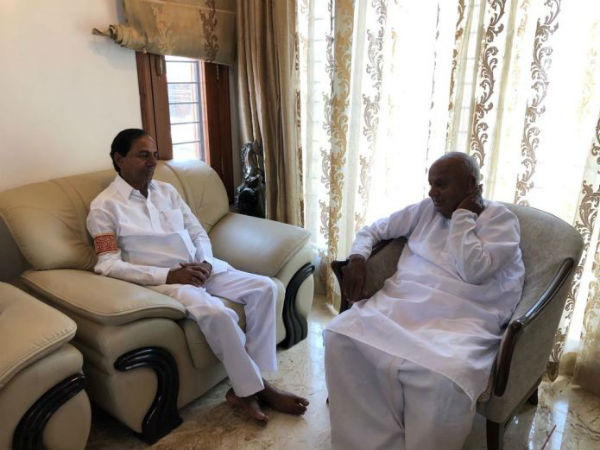 deve gowda will come to hyderabad to meet KCR