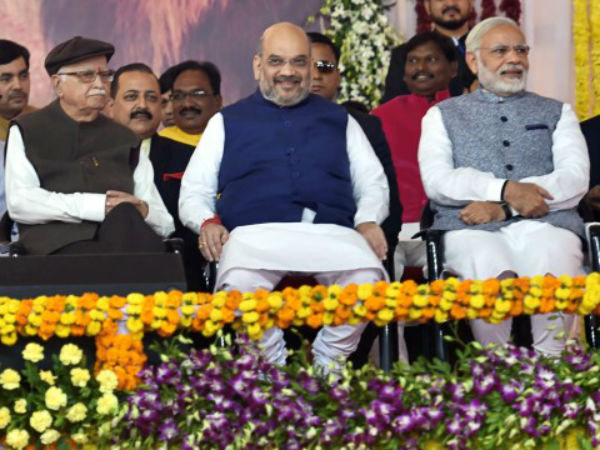 PM Narendra Modi Wants Advani to Contest Elections in 2019