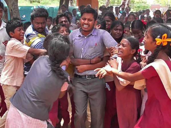 Watch Students Stop Their Teacher Who Was On Transfer Tamilnadu