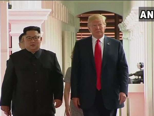 Trump-Kim Meeting: One on one meeting ends, leaders take a walk together