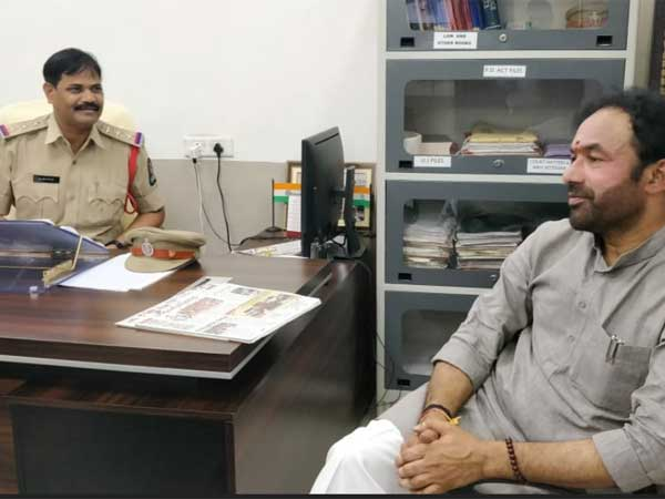 bjp leaders arrested by hyderabad police