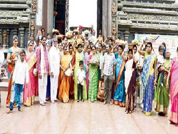 Temple employees families worship to Goddess Kanaka Durga for State prosperity