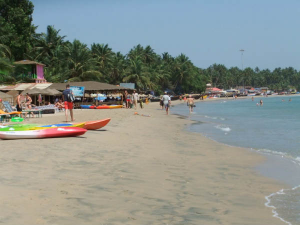 Alcohol to be banned in public places in Goa