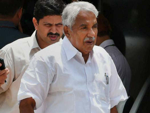 Congress Incharge Oommen Chandy To Tour AP From Today