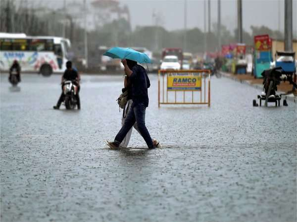 Monsoon Updates: Heavy rain in Uttara Pradesh and Delhi