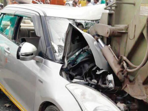 Woman Dies Cab Accident Driver Completes Trip Charges Her