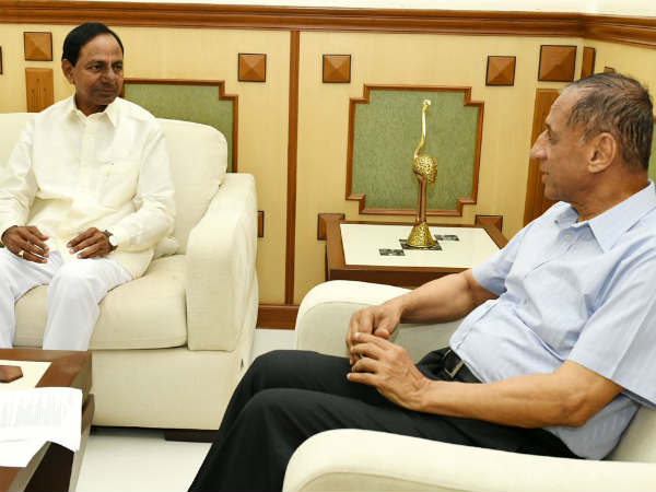 Early Elections: CM KCR meets Governor Narasimhan