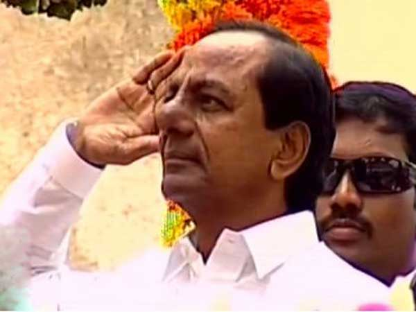 KCR unfurls tricolor at Golconda Fort on Independence Day