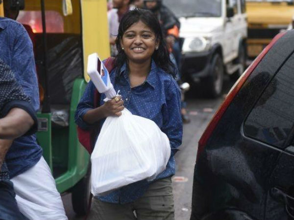 Kerala College Girl Bullied For Selling Fish, Donates Rs 1.5 Lakhs She Got As Support To Flood Relief