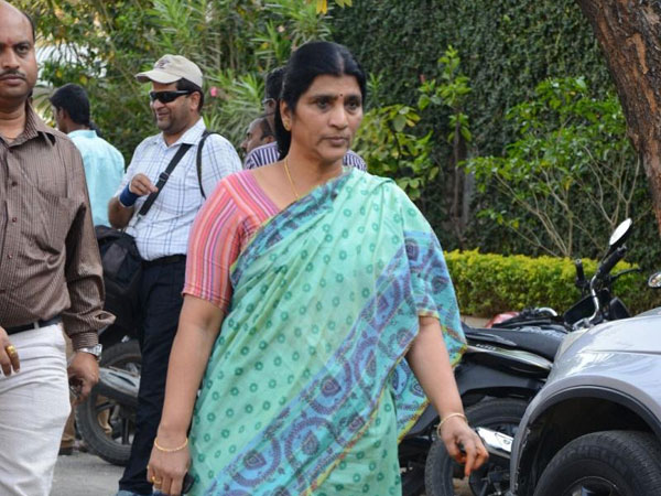 Why BJP is not investigating on Chandrababu Naidu illegal: Laxmi Parvathi
