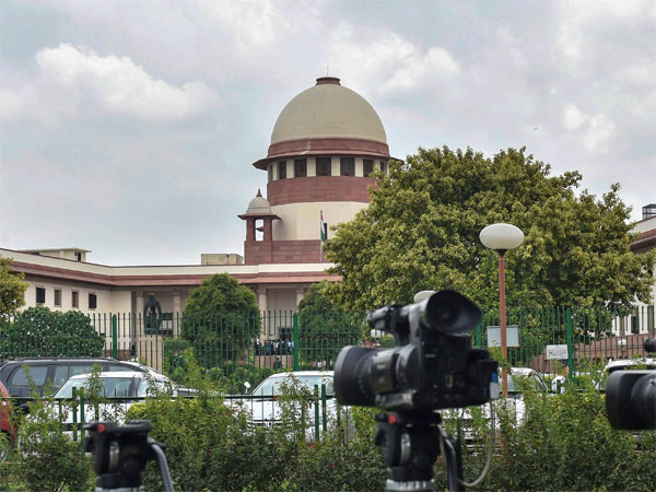 SC adjourns hearing on Article 35A till January 2019