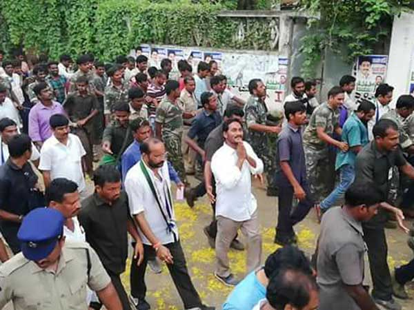 ys jagan fires at his party leaders parvatha prasad and Murali Raju