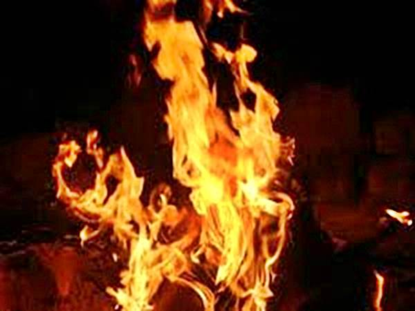 two men burned to death in kakinada
