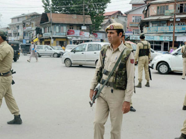 Police kidnapped by terrorists and killed in Jammu kashmir