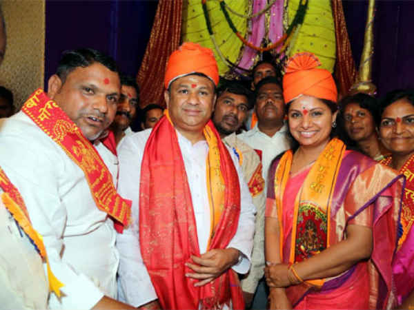 దుష్ట చతుష్టయం: కాంగ్రెస్-టీడీపీపై కవిత విమర్శలు, నిజామాబాద్లో పర్యటన