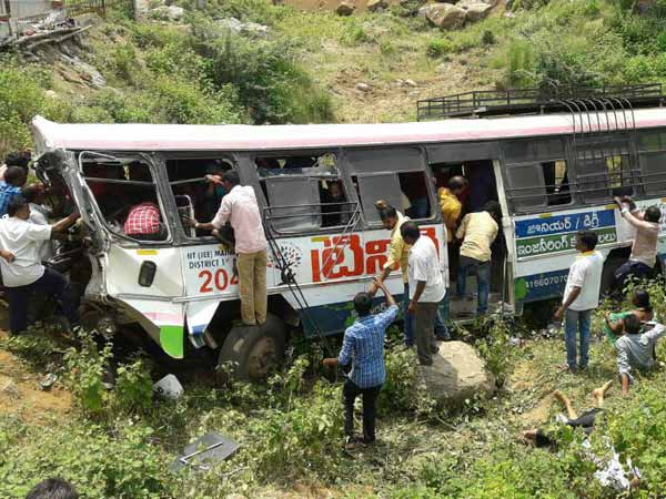Countrys worst ever bus tragedy: 57 pilgrims killed in Telangana