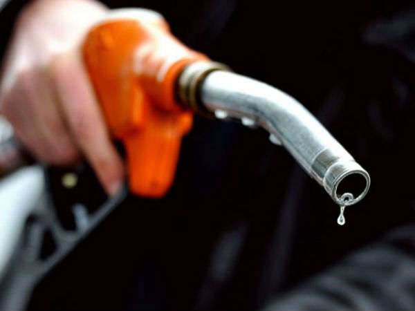 Petrol prices hit new high, Rs.87.77 per litre in Mumbai: Check today's rate