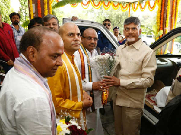 CM Chandrababu to offer silk clothes at TTD temple