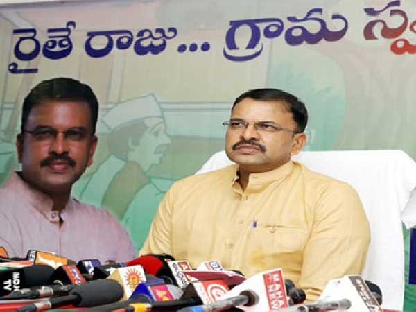 Former CBI JD VV Lakshminarayana to enter politics very soon
