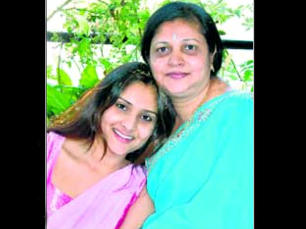 Ranjitha mother of Ramya wanted to contest from Mandya Lok Sabha by elections.