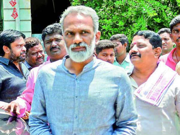 """వంగవీటి రాధాకి మరోసారి జగన్ షాక్:""""ఆ రెండు సీట్లు""""లో ఒకటి భర్తీ...ఇక నో ఛాయిస్!"""