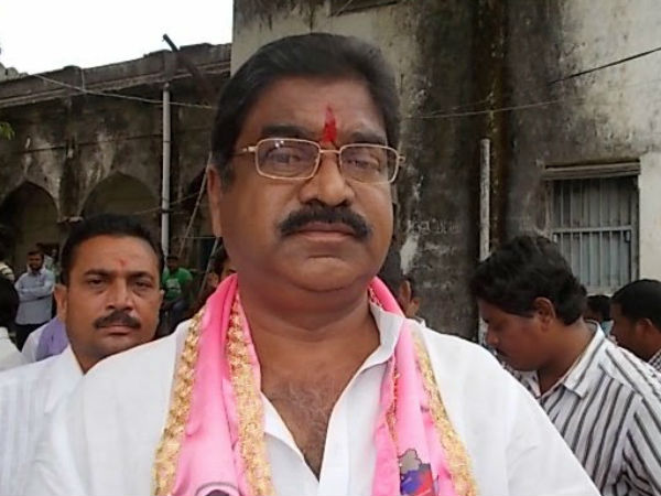 Former MLA Kaveti Sammaiah resigns from TRS