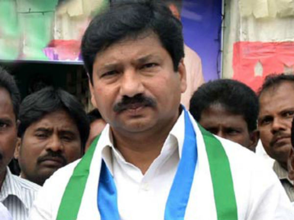 Guntu police question YSRCP leader Jogi Ramesh over YS Jagan attack issue and TDP fake ID card