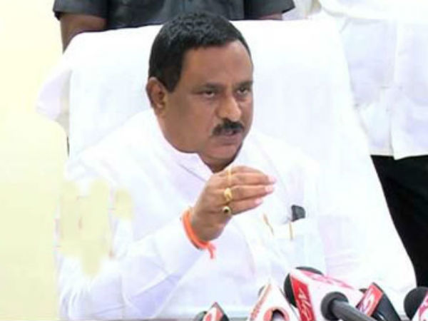 War Words Between Bjp Tdp Leaders Over Cbi Issue