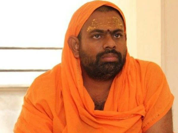 Temple priest beaten up man dies: paripoornananda fires at government