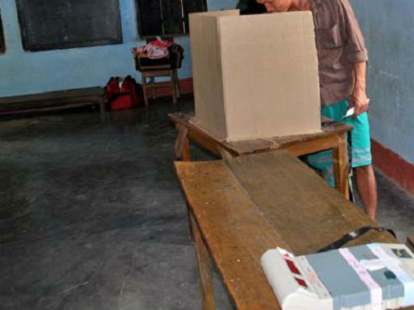 Polling booth closed for Lunch in Nalgonda district