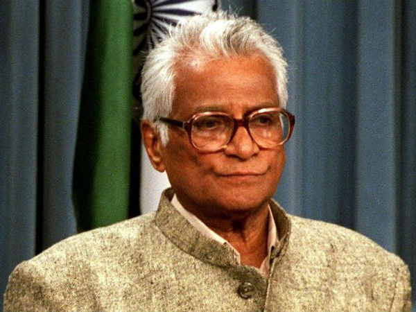 former defense minister george fernandes no more
