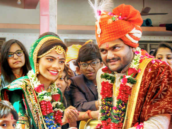hardik patel got married with childhood friend kinjal parikh