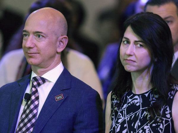 The Jeff Bezos Divorce 136 Billion Amazon The Middle