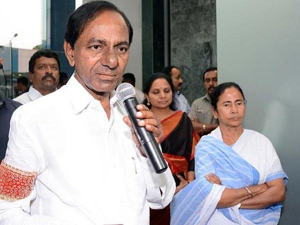 మమతా బెనర్జీ ఫోన్ చేసినా కోల్కతా ర్యాలీకి కేసీఆర్ నో, ఎందుకంటే: రాహుల్ గాంధీ లేఖ