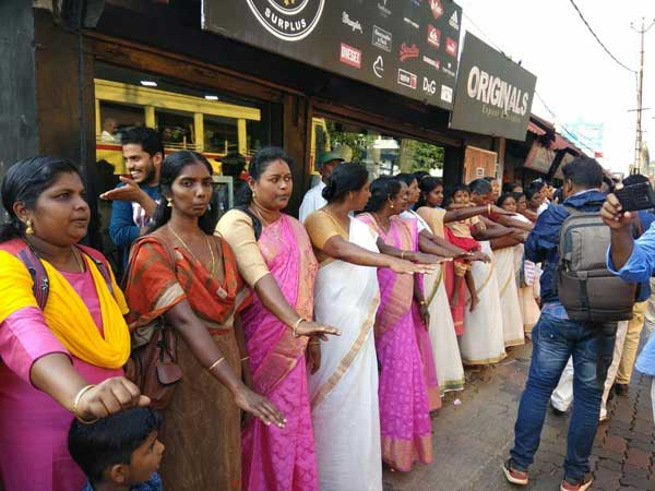 Womens wall in Kerala: Lakhs of women line up for Vanitha Mathil across state