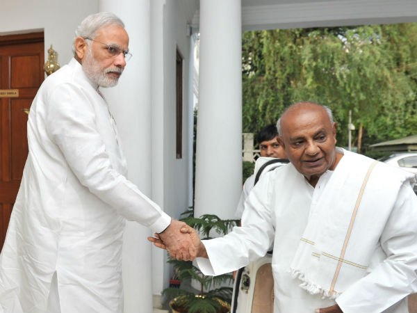 Former PM Deve Gowda recalls the time he met Narendra Modi to offer resignation