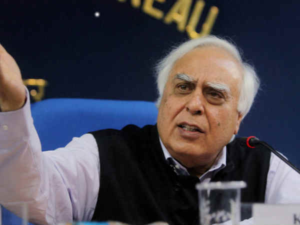 Kapil Sibal argues for Anil Ambani as a Lawyer, attacks him as a politician