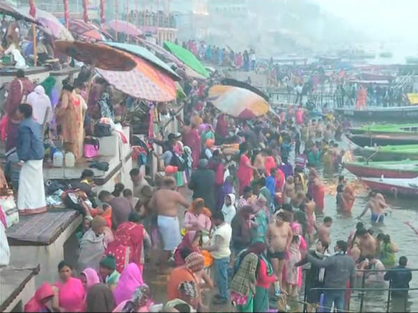 Devotees take holy dip in river Ganga on Mauni Amavasya