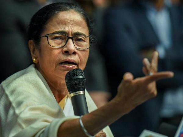 పశ్చిమ బెంగాల్ శారదా స్కాం: సీబీఐని అడ్డుకున్నందుకు క్షమాపణలు చెప్పారు