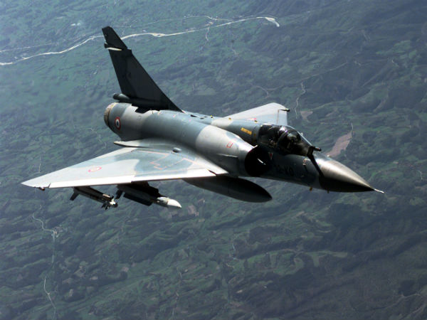 PAK F- 16 flights drop down while mirage 2000 fighter jet attack