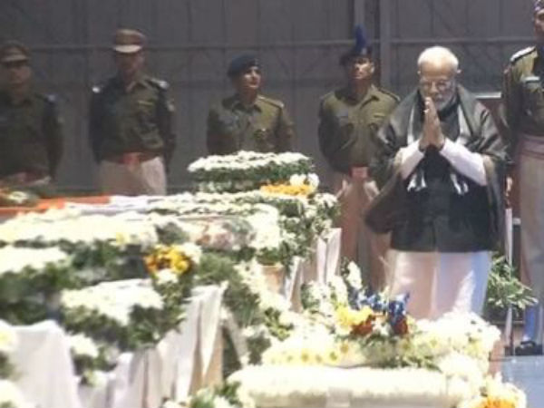 Pulwama terror attack: PM Modi pays his tribute to martyrs at wreath laying ceremony at Palam Airport