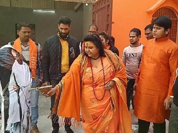 Pooja Pandey who recreated Gandhis assassination arrested by Aligarh Police